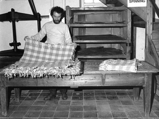 Making pad for pressing shawls